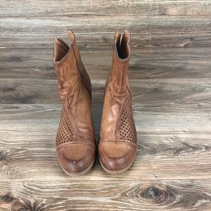 🥾These Boots Were Made for Walking!Women's 8.5 ♥️